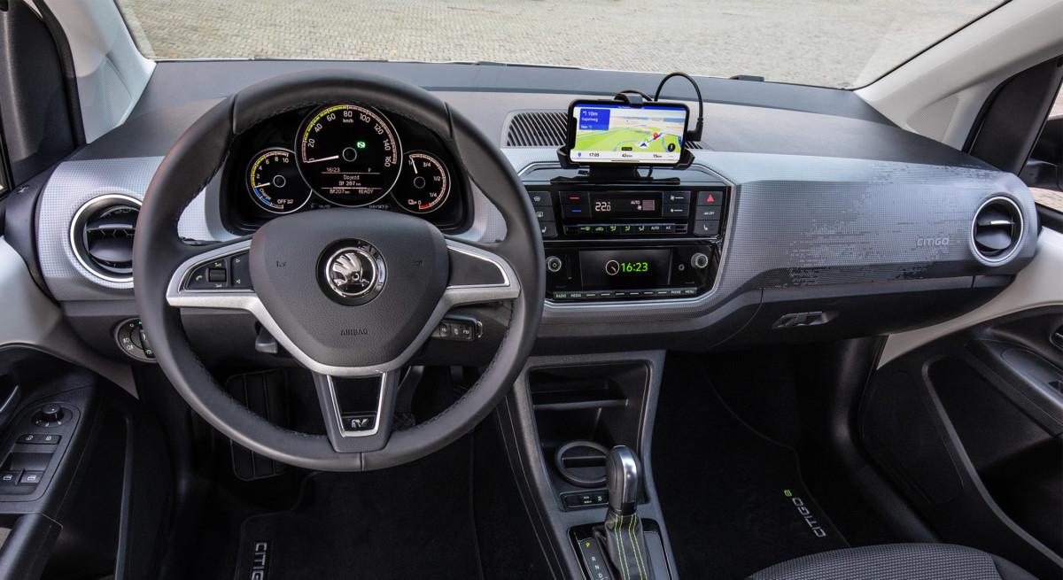 Pas d'écran à bord, votre smartphone fait tout.