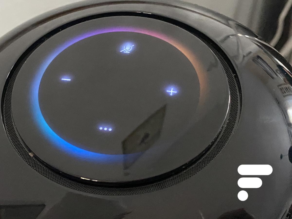 Le panneau de contrôles tactiles de la Huawei Sound X