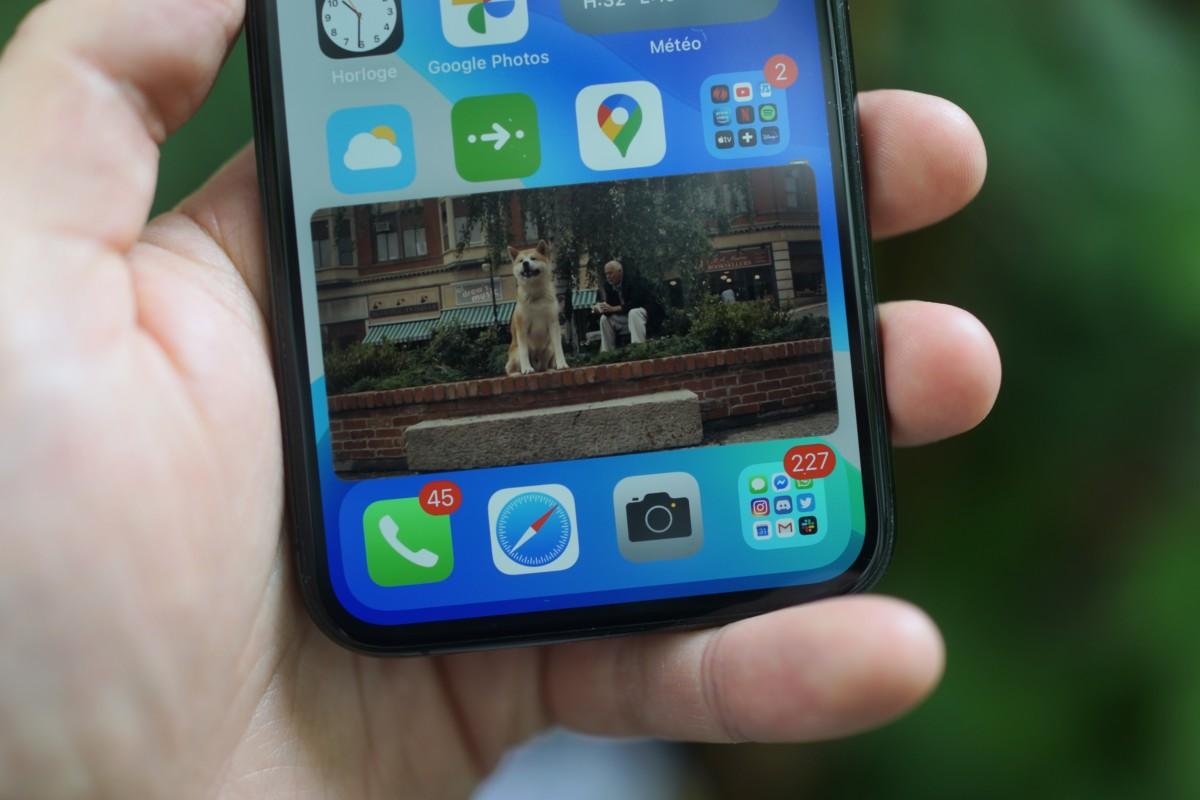 La fonction Picture-in-picture est l'une des grosses nouveautés d'iOS14… et elle sera, dans une certaine mesure, disponible gratuitement sur YouTube