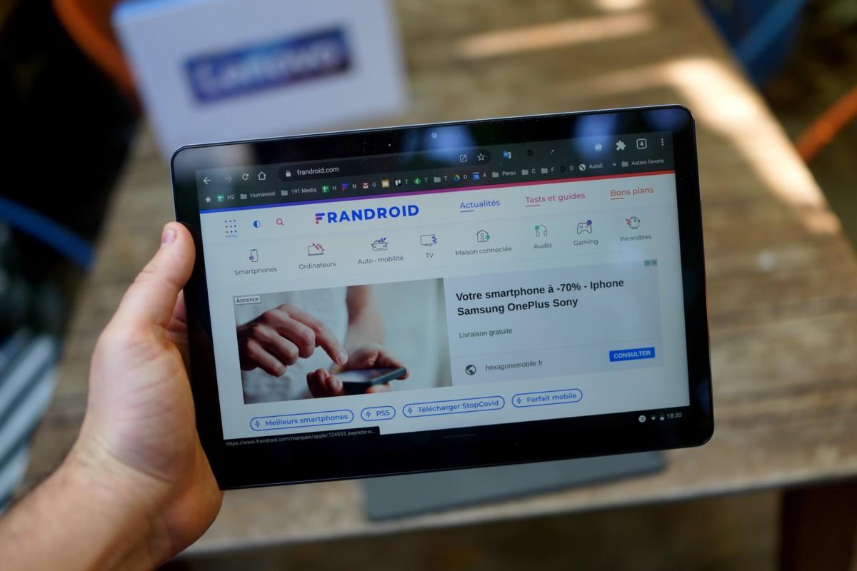 Lenovo IdeaPad Duet, format 10pouces en main // Frandroid