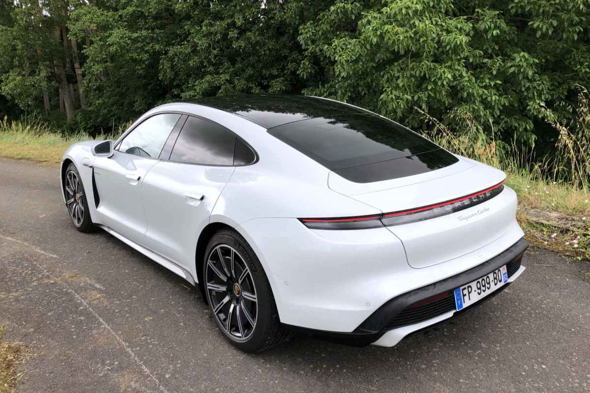 Essai du Porsche Taycan : mature et passionnant