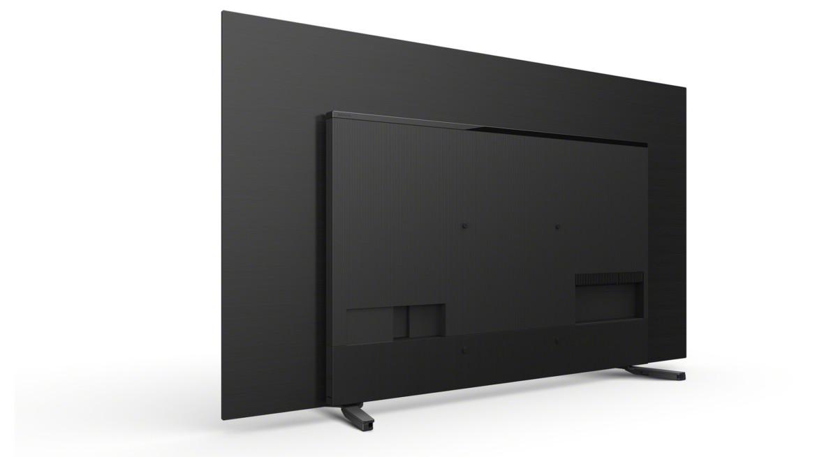Le système Audio Acoustic Surface prend de la place au dos du téléviseur