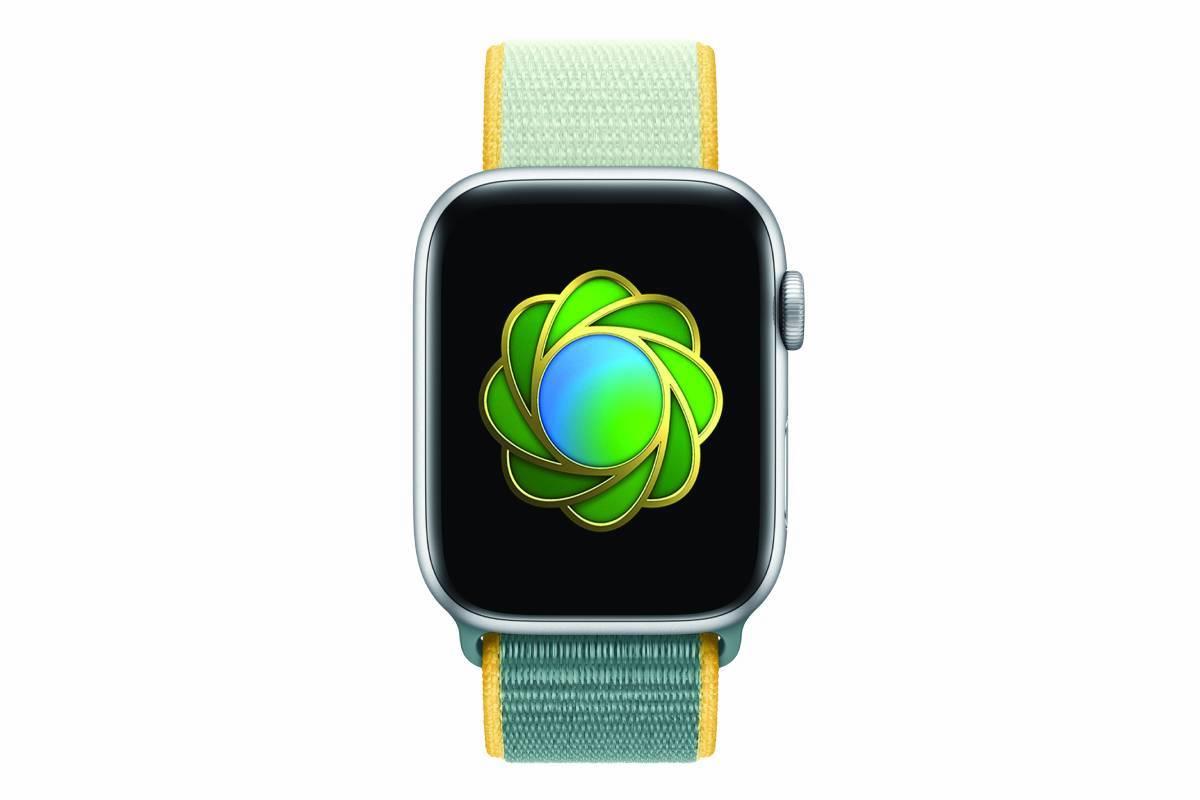 Une Apple Watch avec le badge environnement