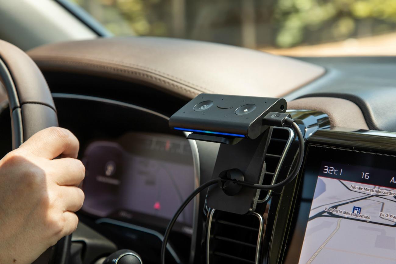 Echo Auto embarque Alexa en voiture