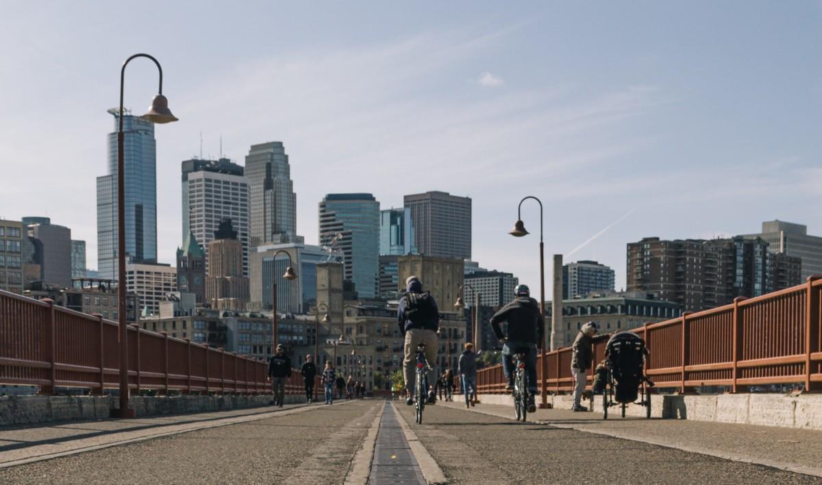 Stone Arch Bridge, à Minneapolis // Crédits: Weston MacKinnon sur Unsplash