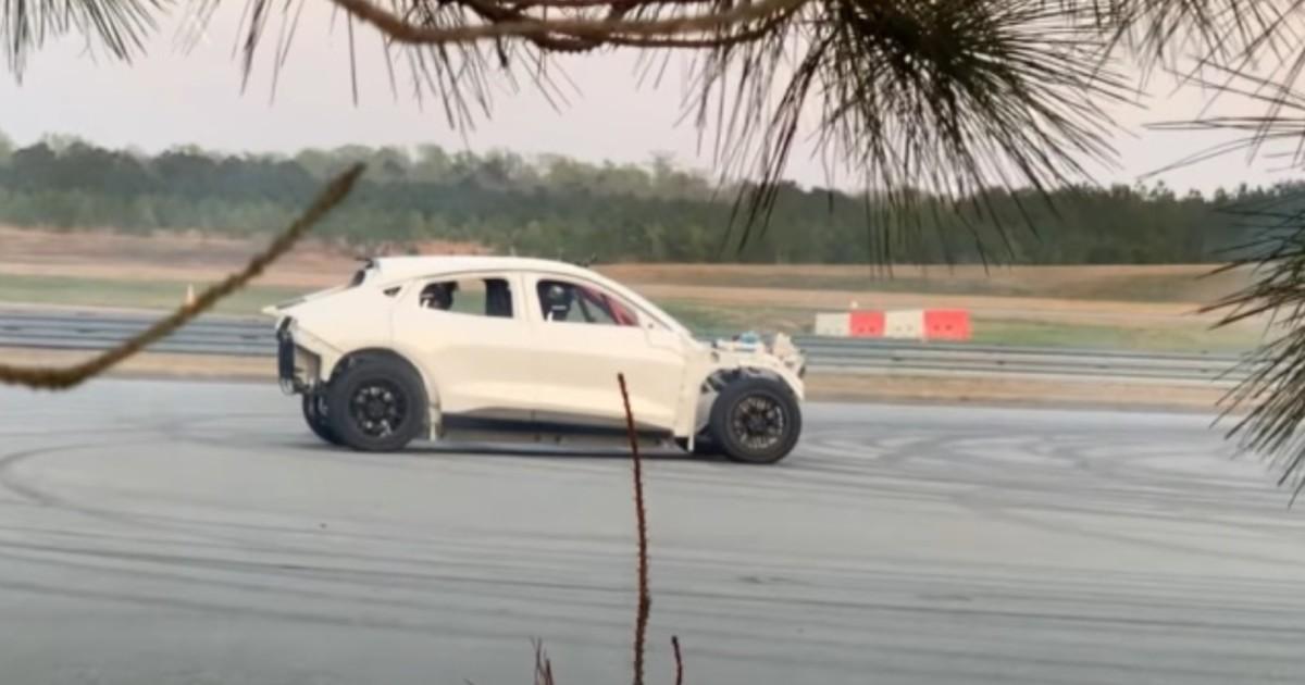 La Mustang Mach-E pourrait-elle se décliner en une version raccourcie, pensée pour le drift ?