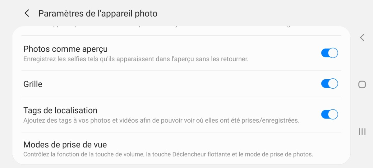 Pour afficher le quadrillage sur l'application photo de votre smartphone, activez la Grille dans les options de l'application.