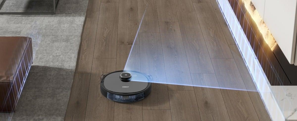 Le télémètre laser, situé au-dessus de l'Ozmo 920 lui permet de se repérer dans le logement et d'en faire ensuite une carte.