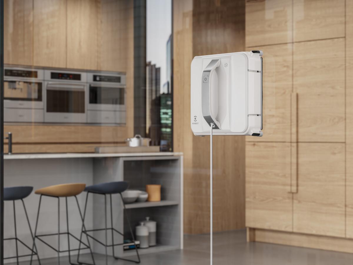 Le robot lave-vitres Winbot 880 d'Ecovacs