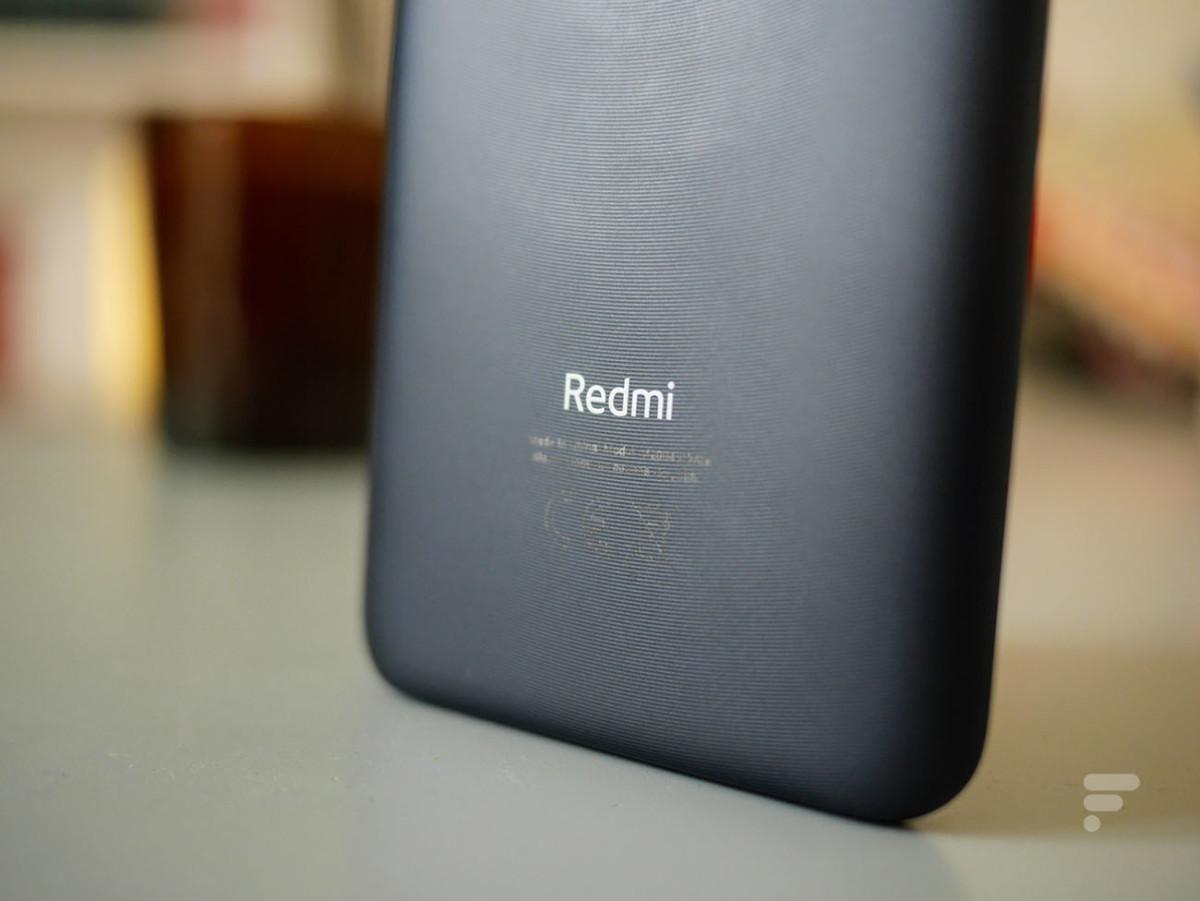 Le dos strié du Xiaomi Redmi 9