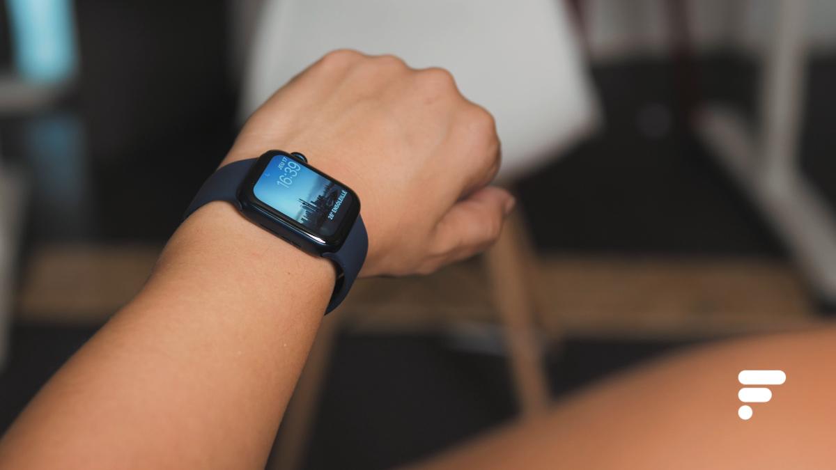 L'Apple Watch Series 6 en aluminium bleu