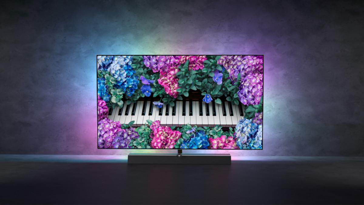 Ici le téléviseur Philips OLED+ 935, pour illustration