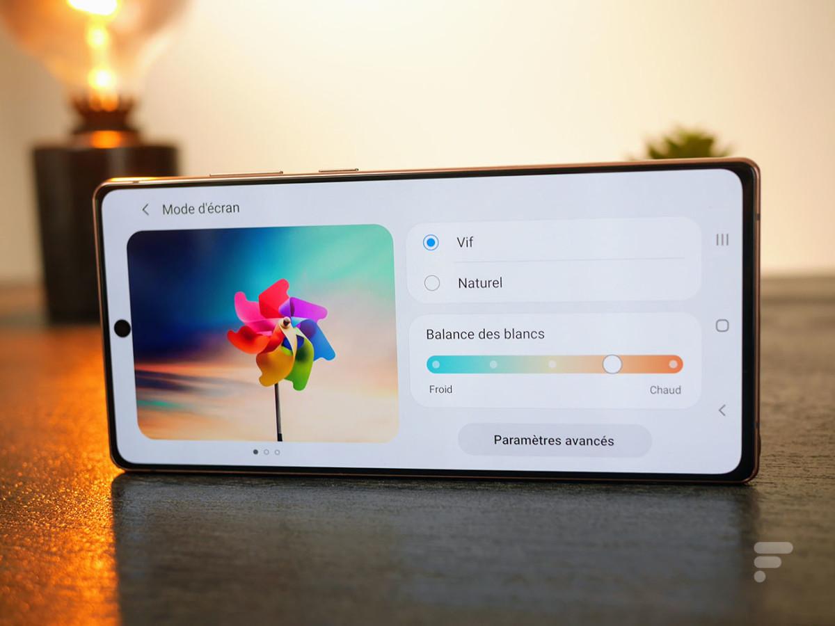 En réglant un cran vers le chaud, on obtient une balance des blanc idéalesur le Samsung Galaxy Note 20