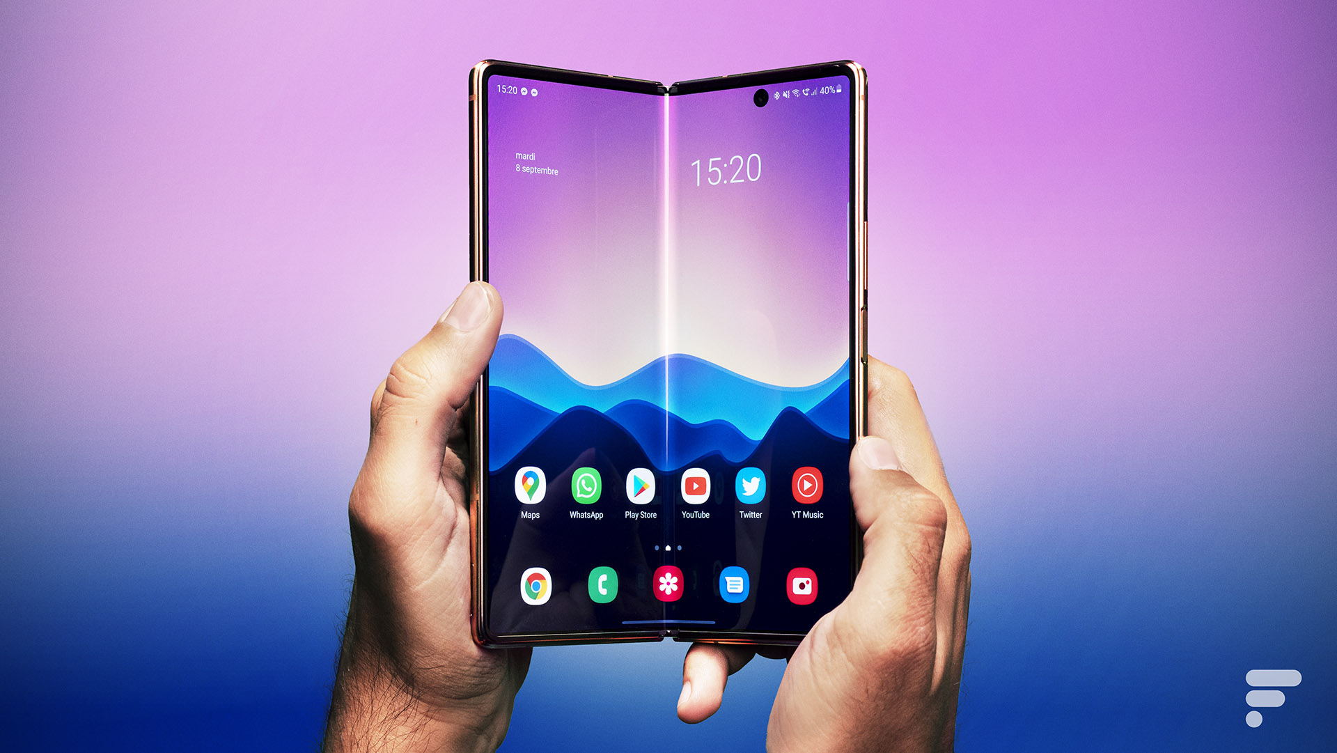 https://images.frandroid.com/wp-content/uploads/2020/09/samsung-galaxy-z-fold-2-ouverture.jpg