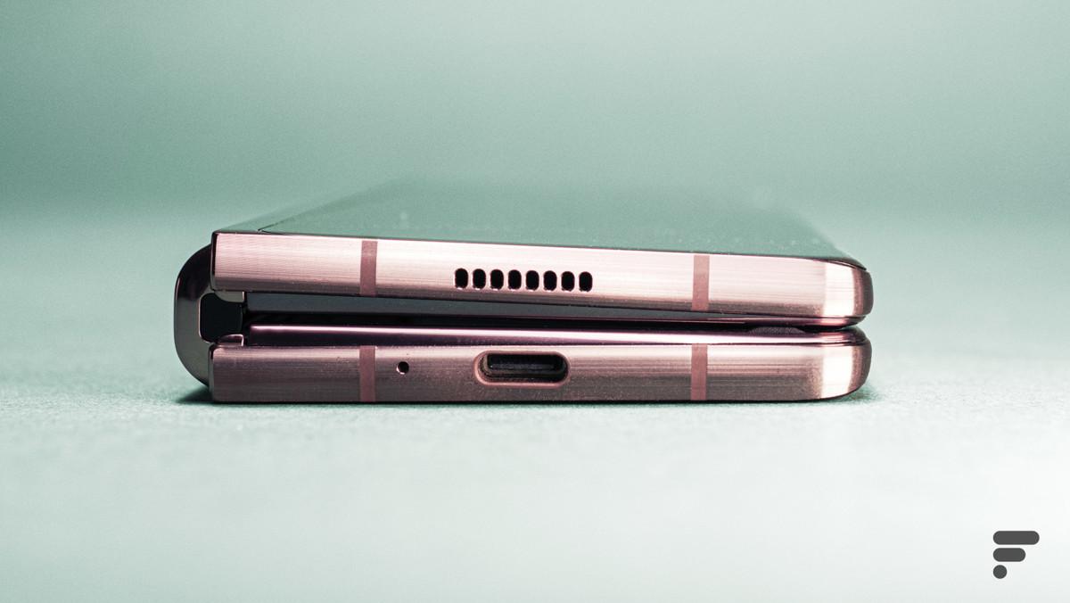 USB-C Samsung Galaxy Z Fold 2