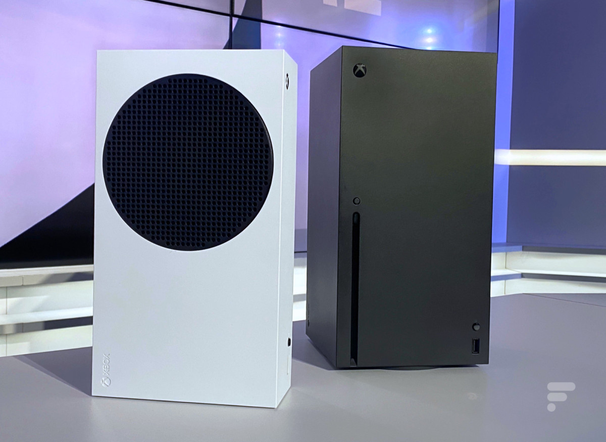 Les Xbox Series S (à gauche) et Series X (à droite)