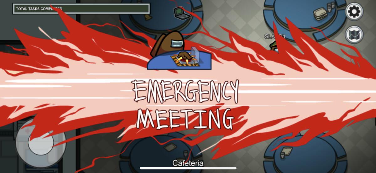 Vous pouvez convoquer des réunions d'urgence en appuyant sur le bouton rouge situé dans la cafétéria