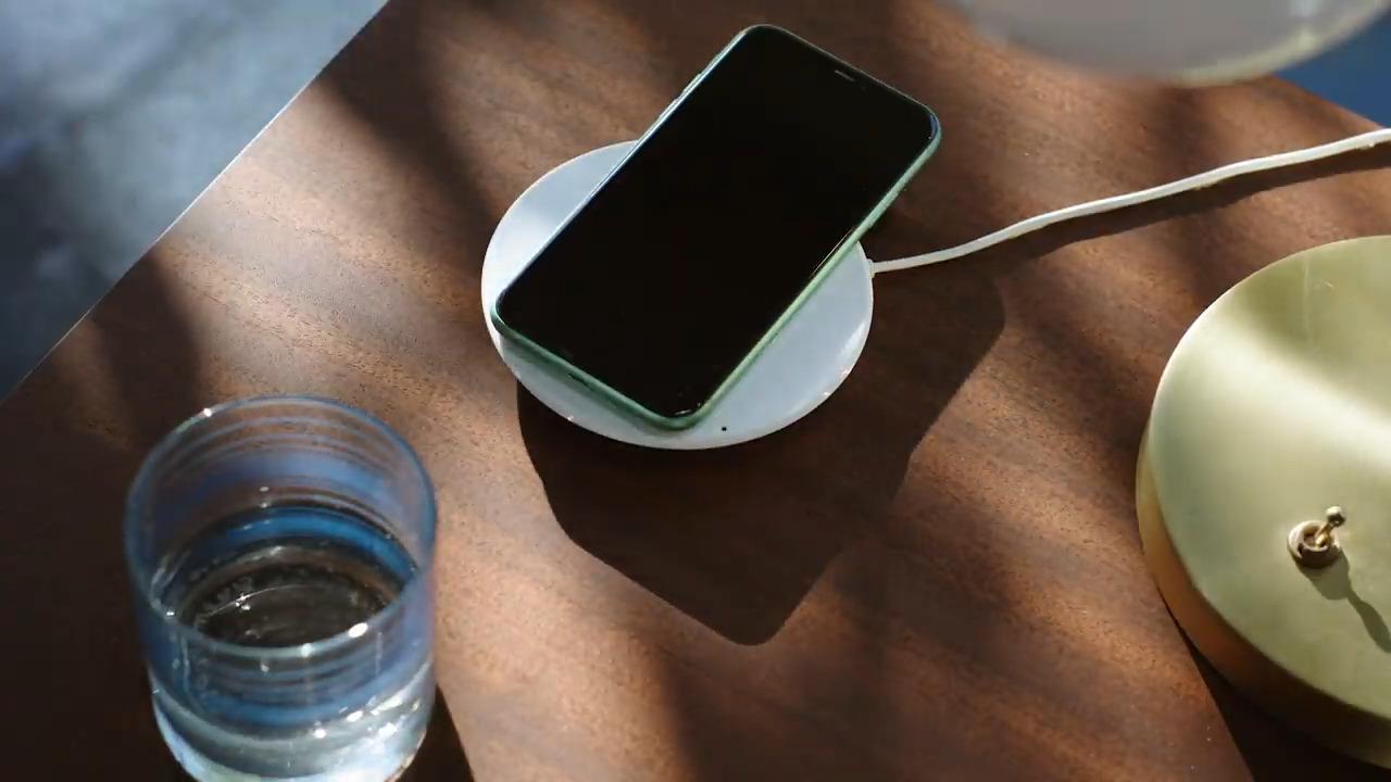 Apple retire les écouteurs et chargeurs des boitiers des anciens iPhone