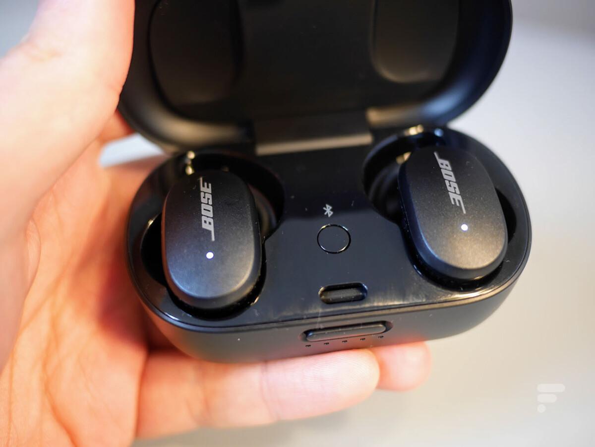 Le bouton d'appairage se situe dans le boîtier des QC Earbuds