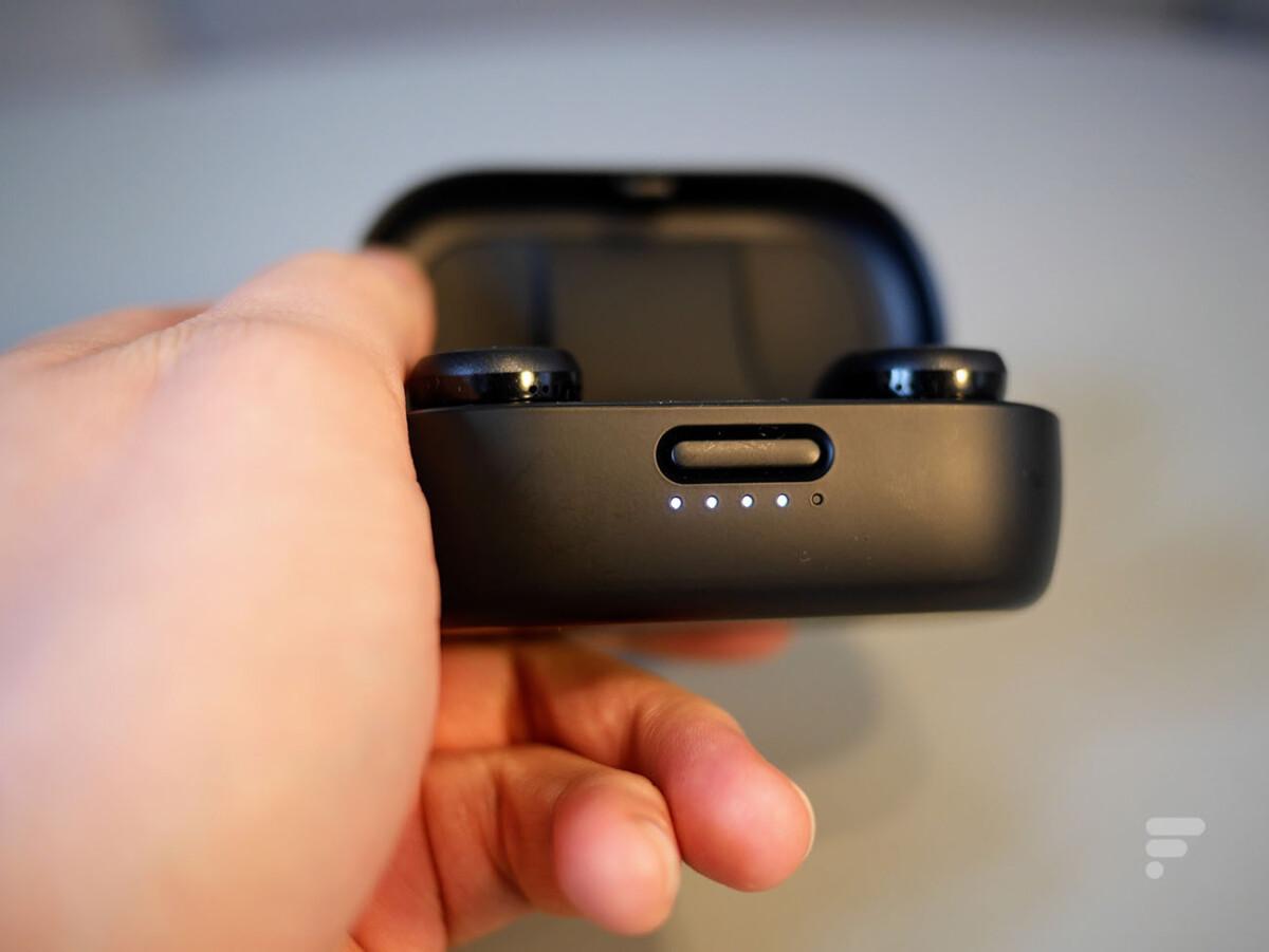 Le niveau de batterie du boîtier peut être visualisé à l'aide des LED
