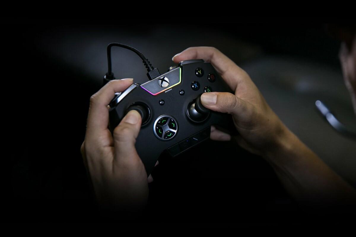 Lancée initialement pour Xbox One, la manette Razer Wolverine Ultimate compte parmi les accessoires de la marque compatibles avec les Xbox Series X et S