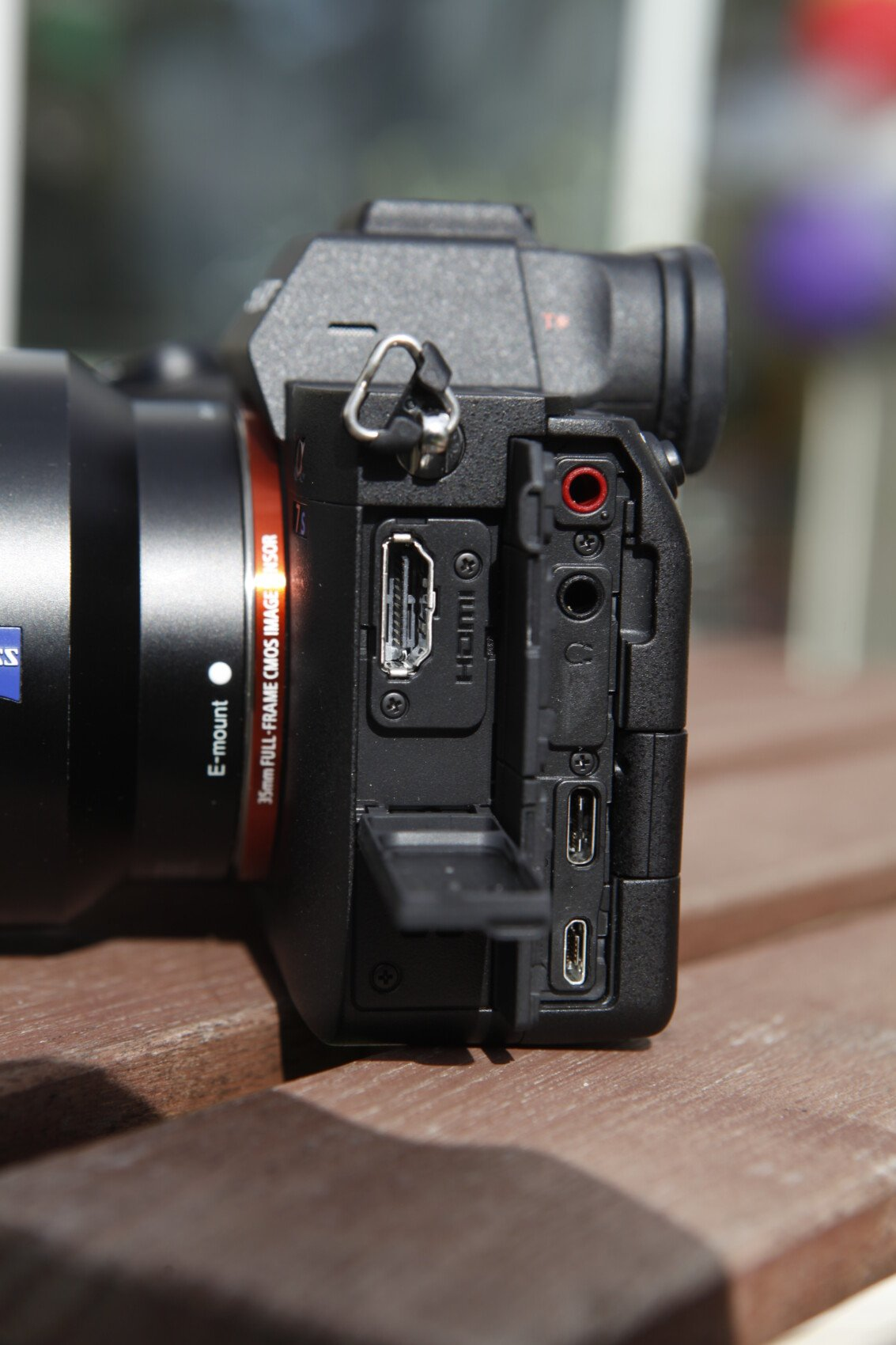 Les connectiques du Sony A7S III
