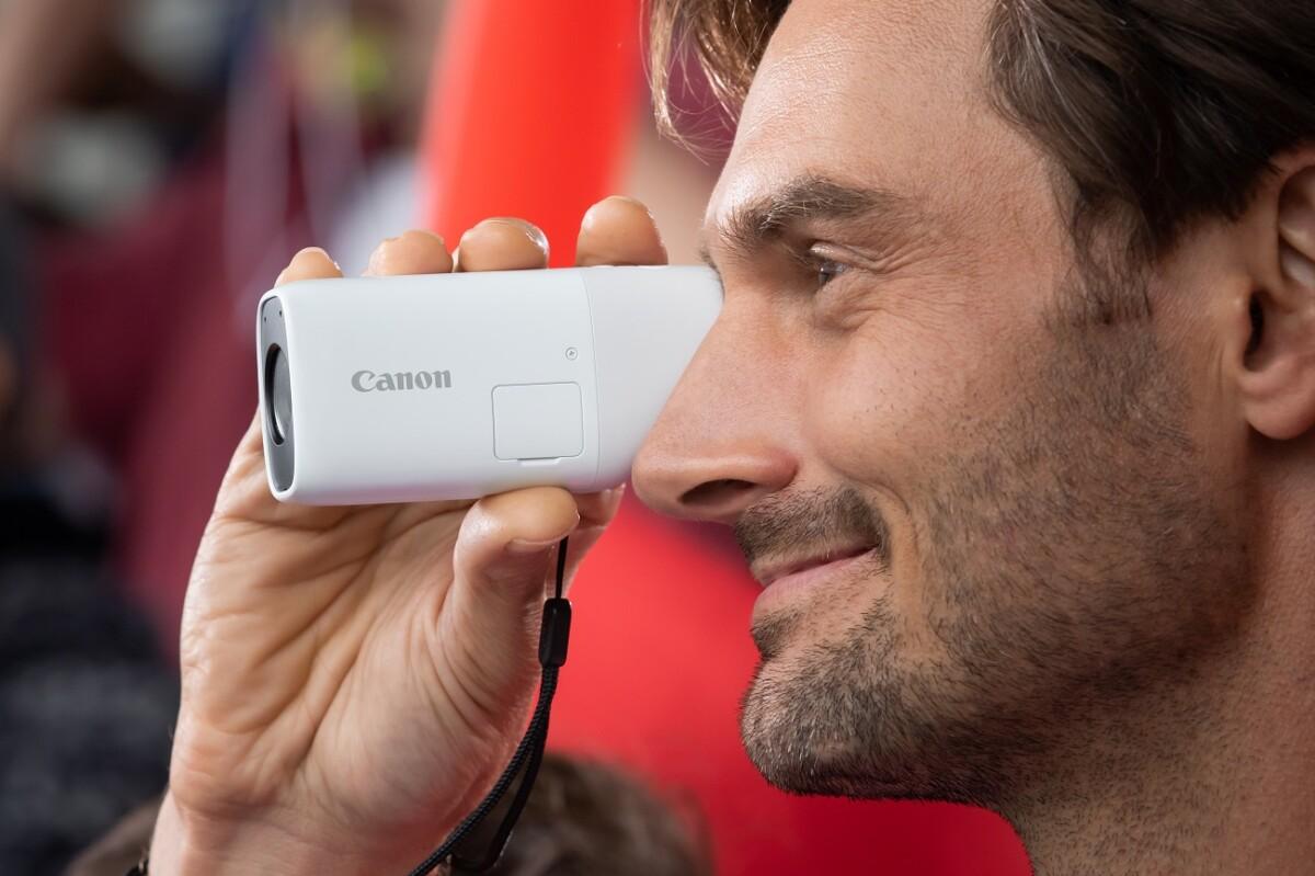 Le Canon PowerShot Zoom