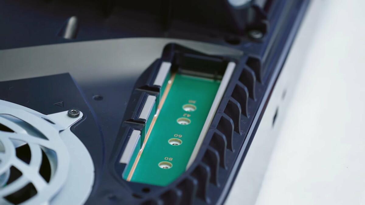 L'emplacement pour le second SSD dans la PS5