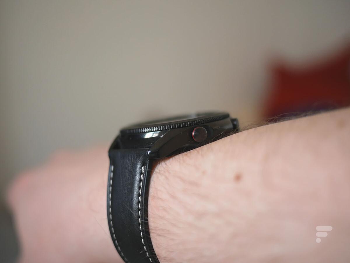 La Samsung Galaxy Watch 3 est une montre imposante