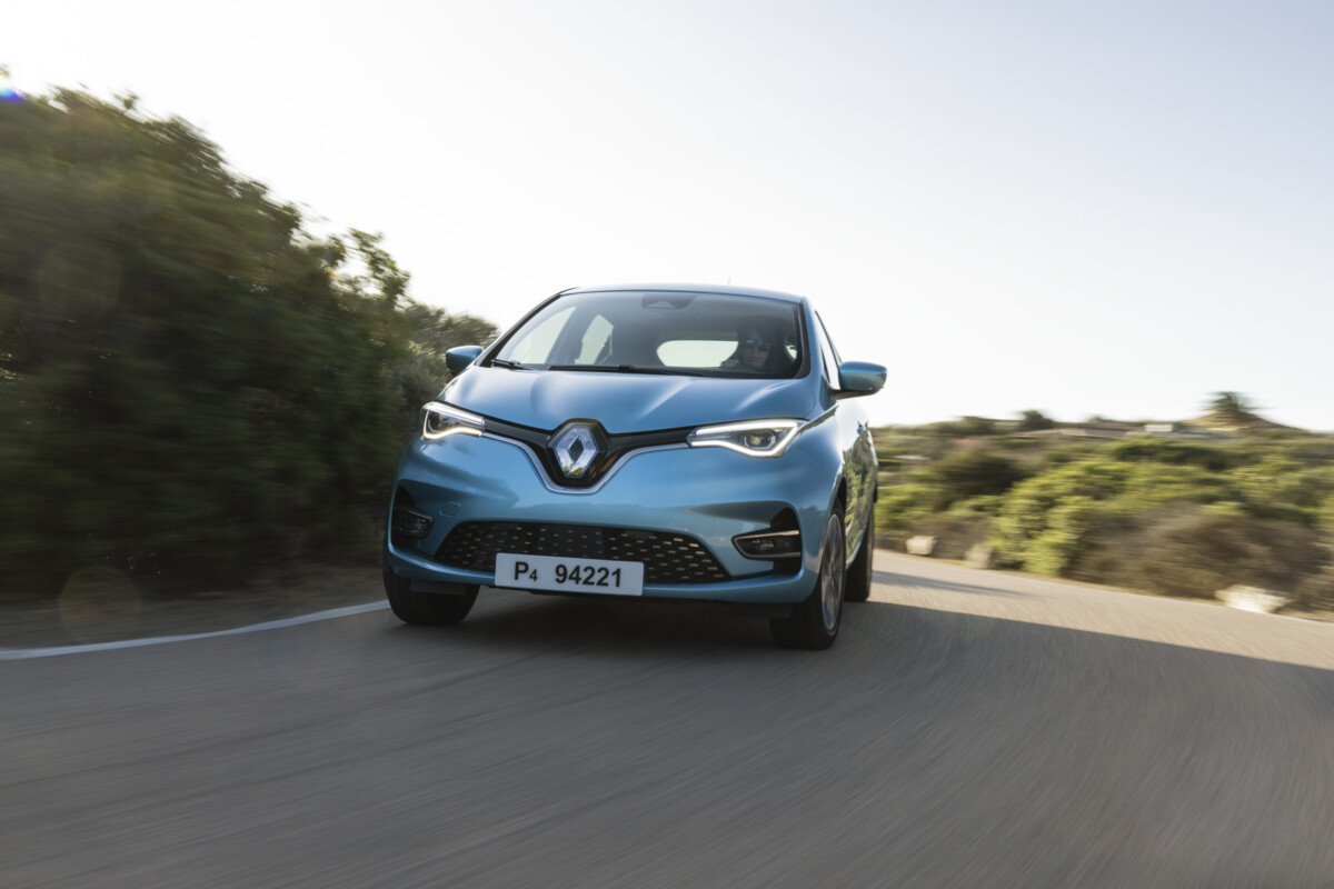 The Renault Zoé during our tests on the roads of Sardinia