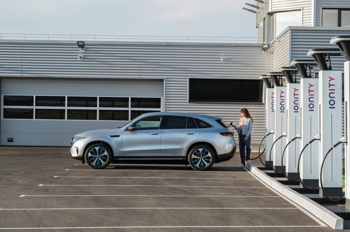 Three main reasons explain the very small increase in the number of charging stations between May and October 2020