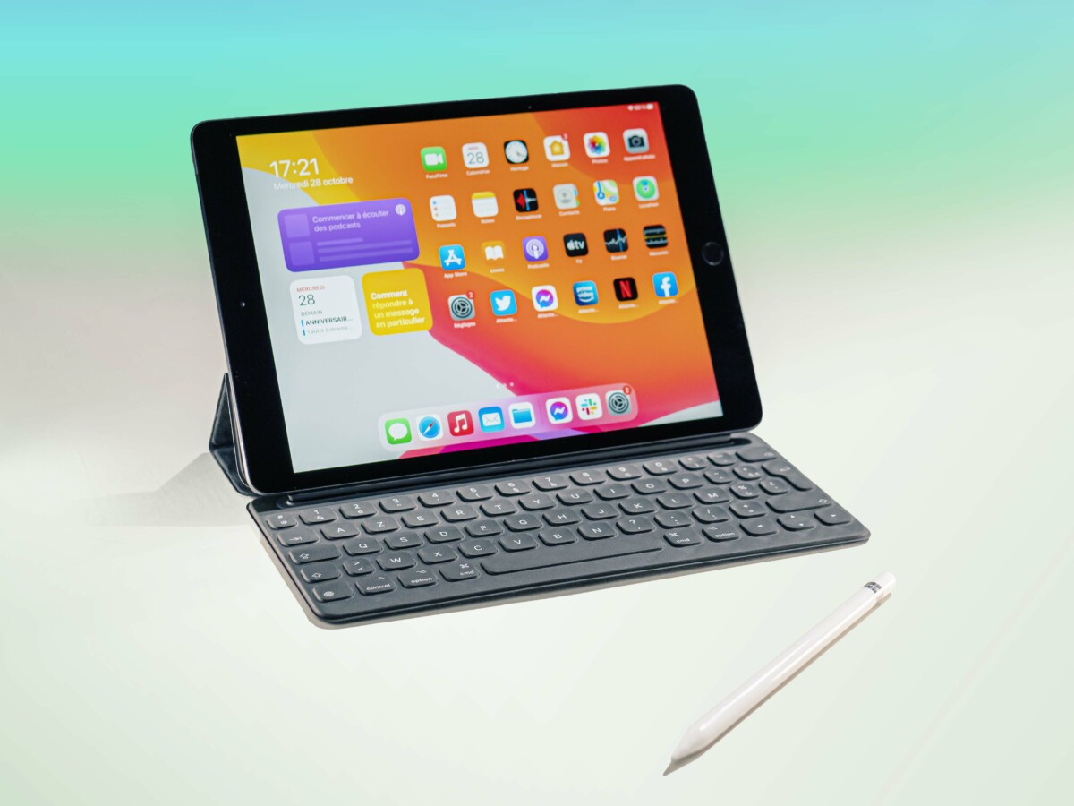 L'iPad 2020 avec le Smart Keyboard et l'Apple Pencil