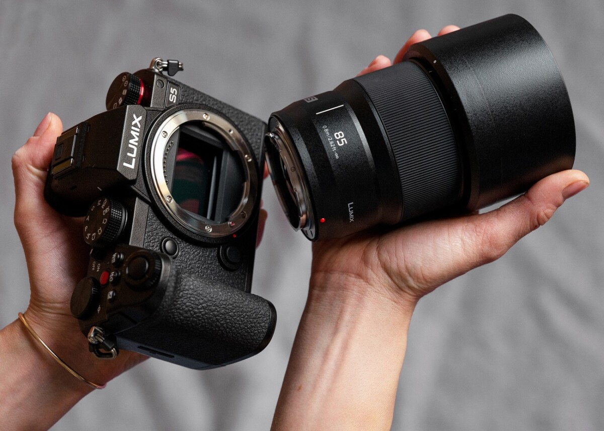 The new Lumix S 85mm / f / 1.8 lens