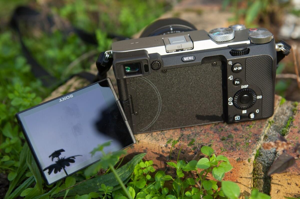 L'écran orientable du Sony A7C
