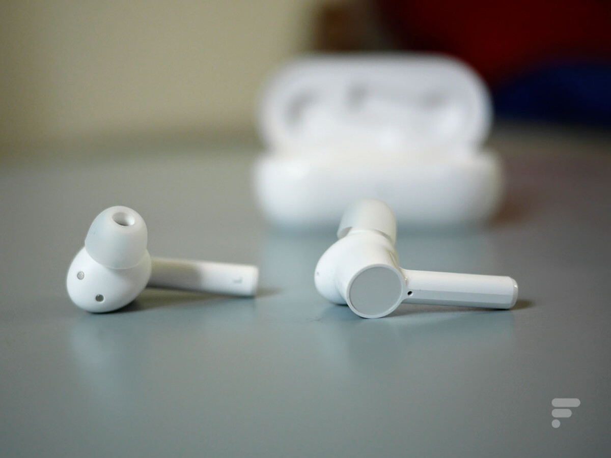 Les OnePlus Buds Z sont des écouteurs intra-auriculaires