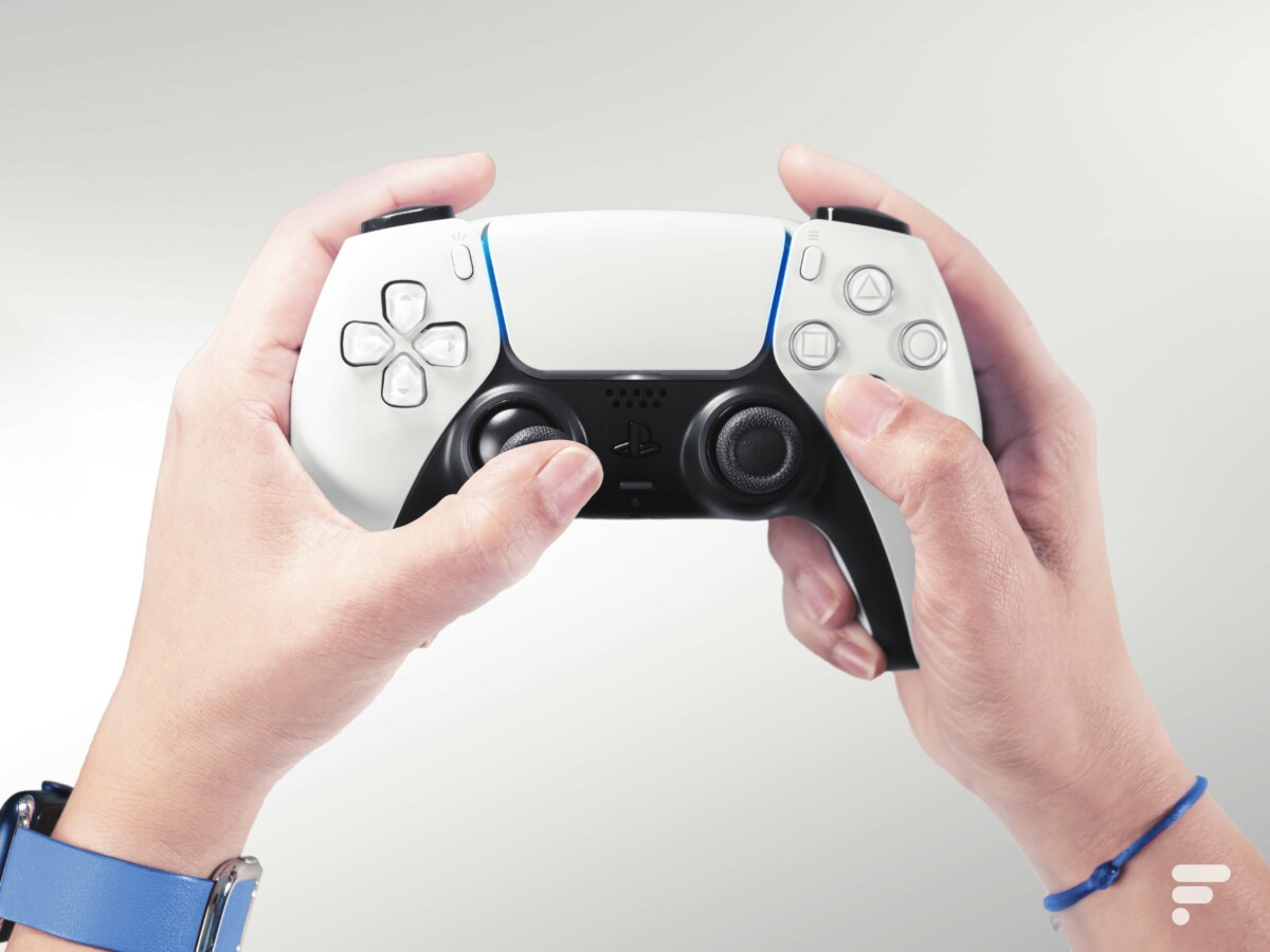 The ergonomics of the DualSense controller, the good idea of ​​the PS5