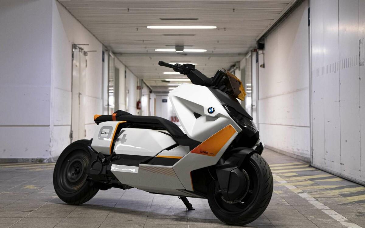 Le concept BMW Definition CE 04 préfigure à 95% le futur scooter 100% électrique de série de la maque.