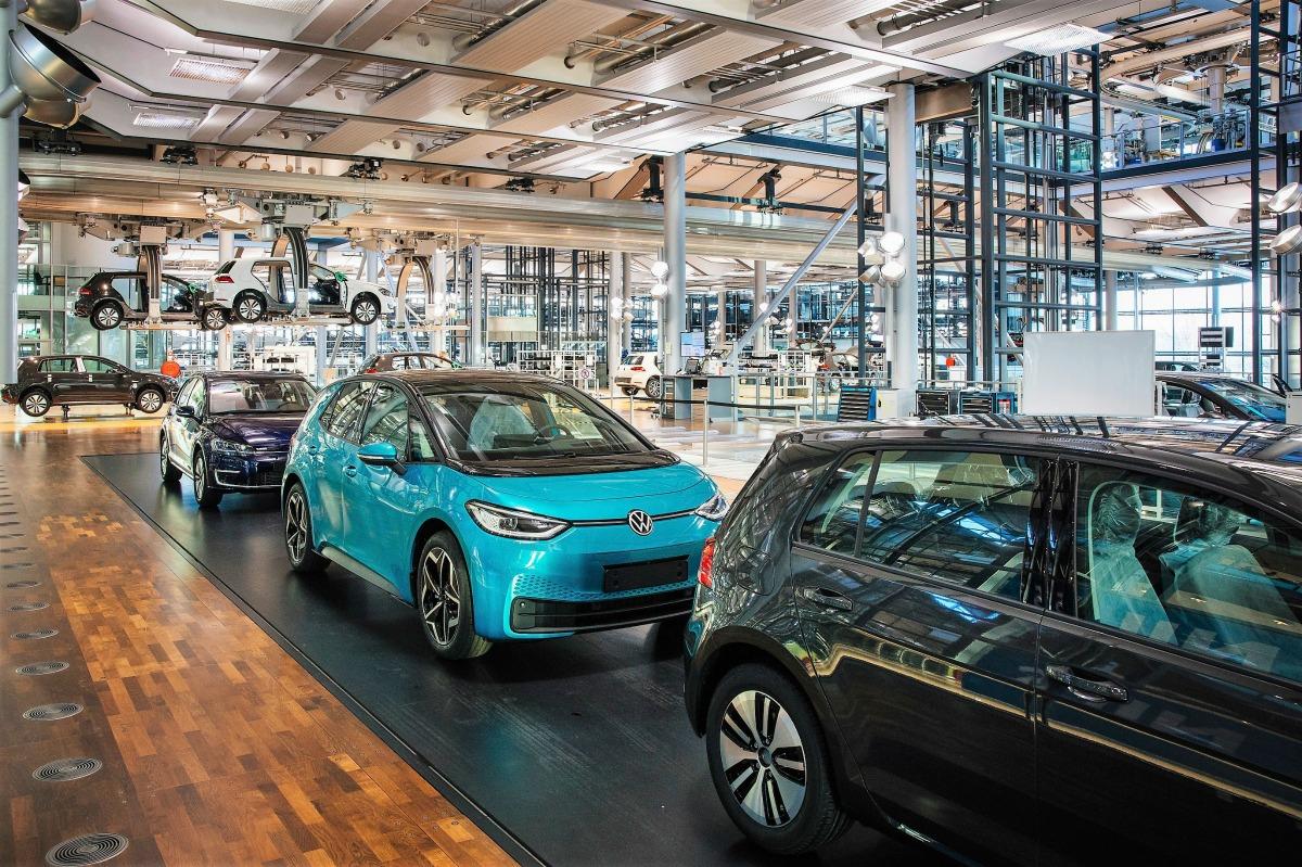 End of Production / Produktionsende vom E-Golf am 17.12.2020 in Glaeserne Manufaktur von Volkswagen in Dresden . Foto: Oliver Killig