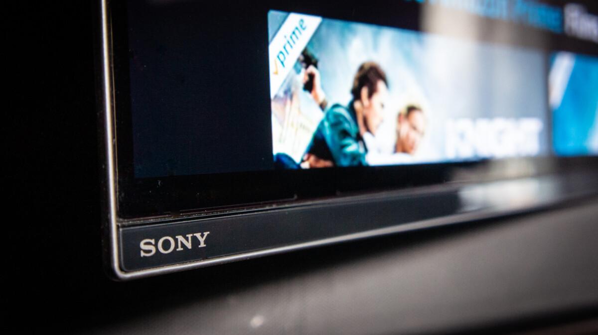 Des bordures très fines et un discret logo Sony