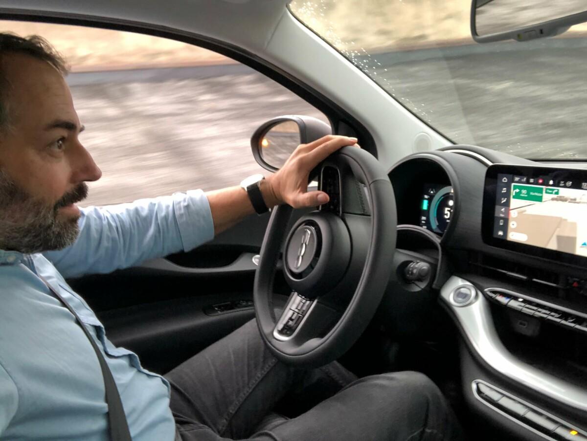 Conduite de la Fiat 500 Electrique