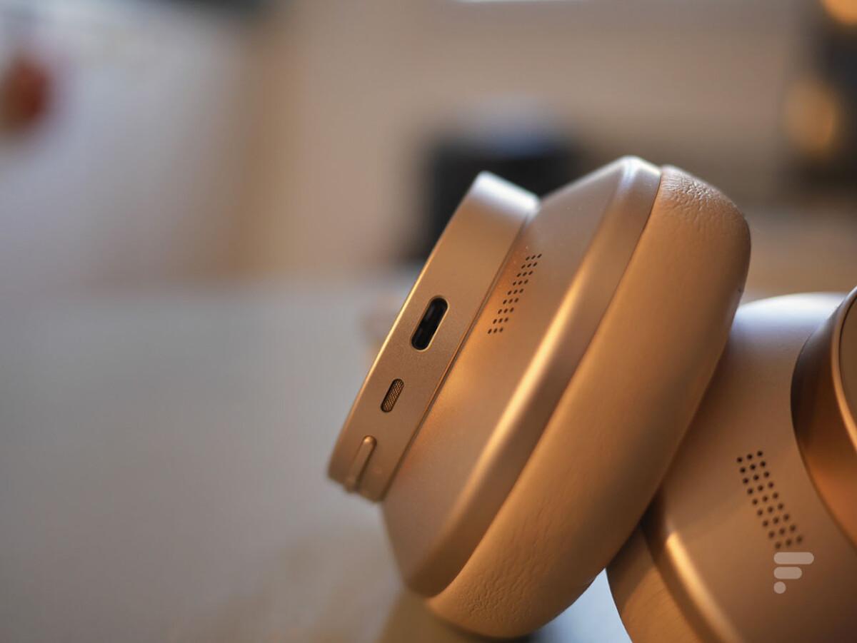 Le Huawei FreeBuds Studio se recharge par USB-C