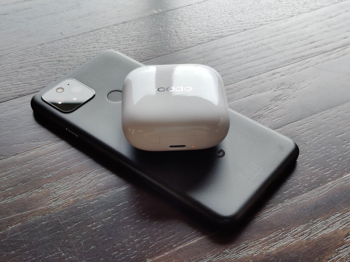 Les EncoW51 font le plein de batterie grâce à la recharge sans-fil inversée du Google Pixel5