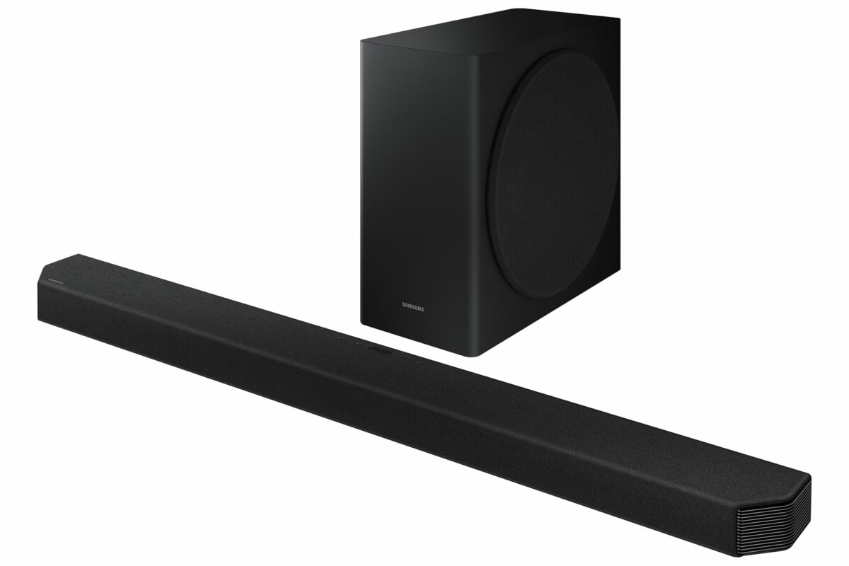 Samsung's high-end HW-Q900T sound bar and wireless subwoofer.