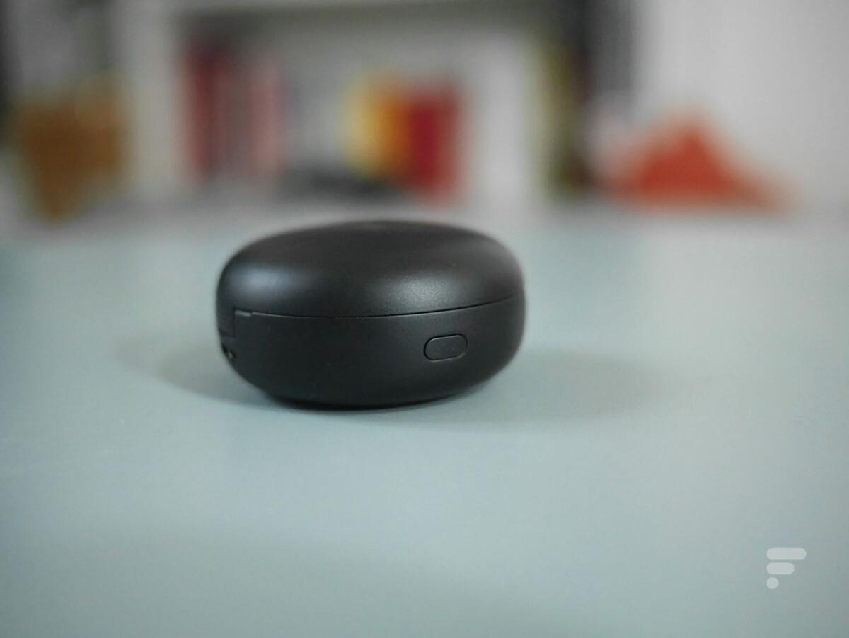 Le bouton d'appairage des LG Tone Free FN6