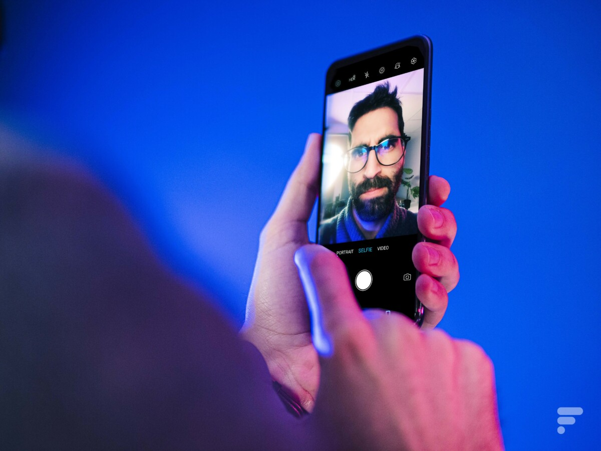 Selfie with the ZTE Axon 20 5G