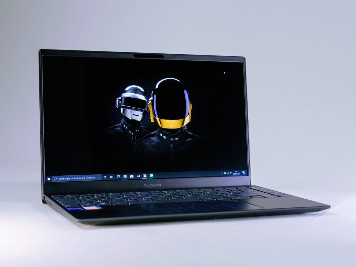 asus zenbook 13 ux325 2021 frandroid 1200x900 - Avec le ZenBook 13 OLED, Asus dégaine le premier PC portable OLED à moins de 1 000 euros