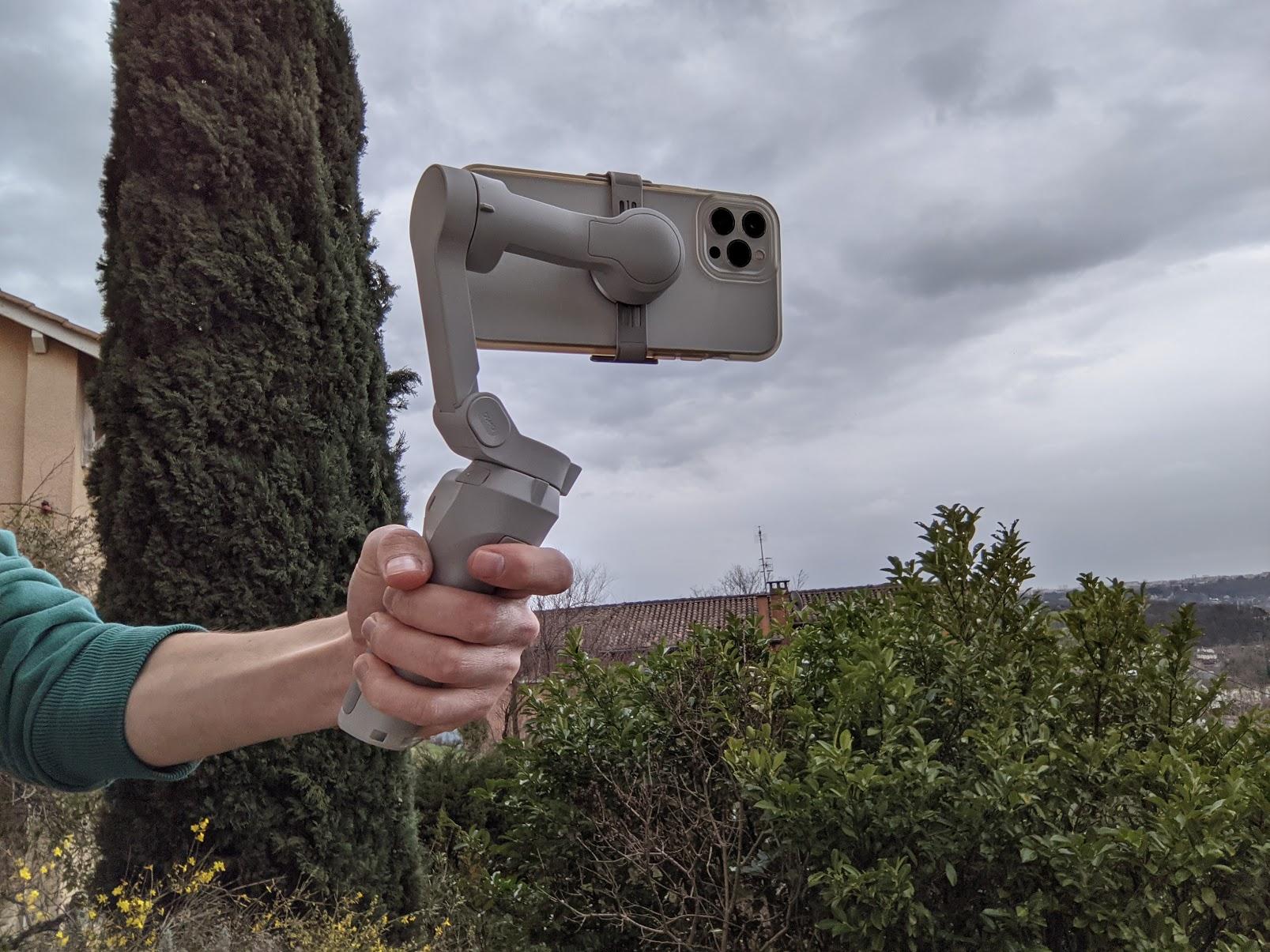 Test du DJI OM 4 : le stabilisateur pour smartphone qui veut se faire oublier - Frandroid