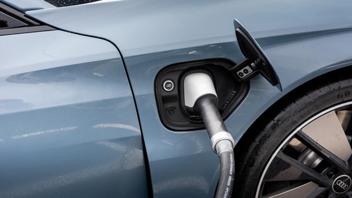 La prise de recharge de l'Audi e-tron GT quattro