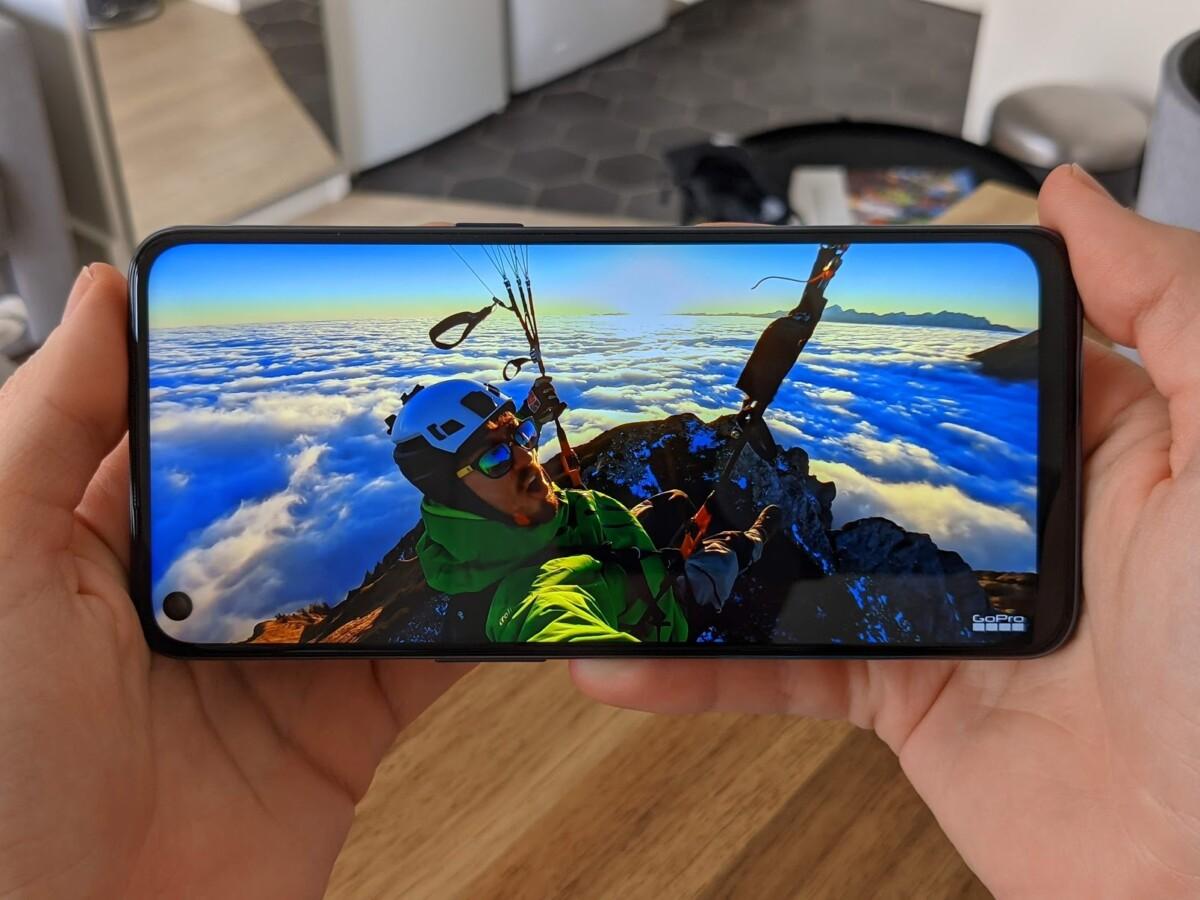 L'écran LCD du Nord N10 est maîtrisé