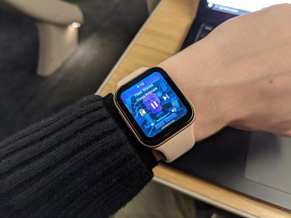 L'Oppo Watch permet de contrôler la musique jouée depuis son téléphone